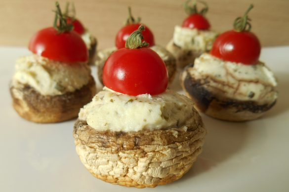 CHAMPIGNONS FARCIS AU FROMAGE AIL & FINES HERBES