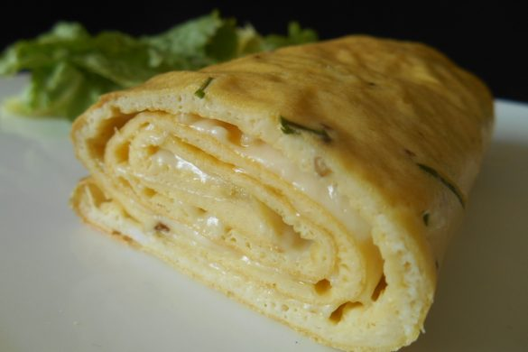OMELETTE ROULÉE AU FROMAGE