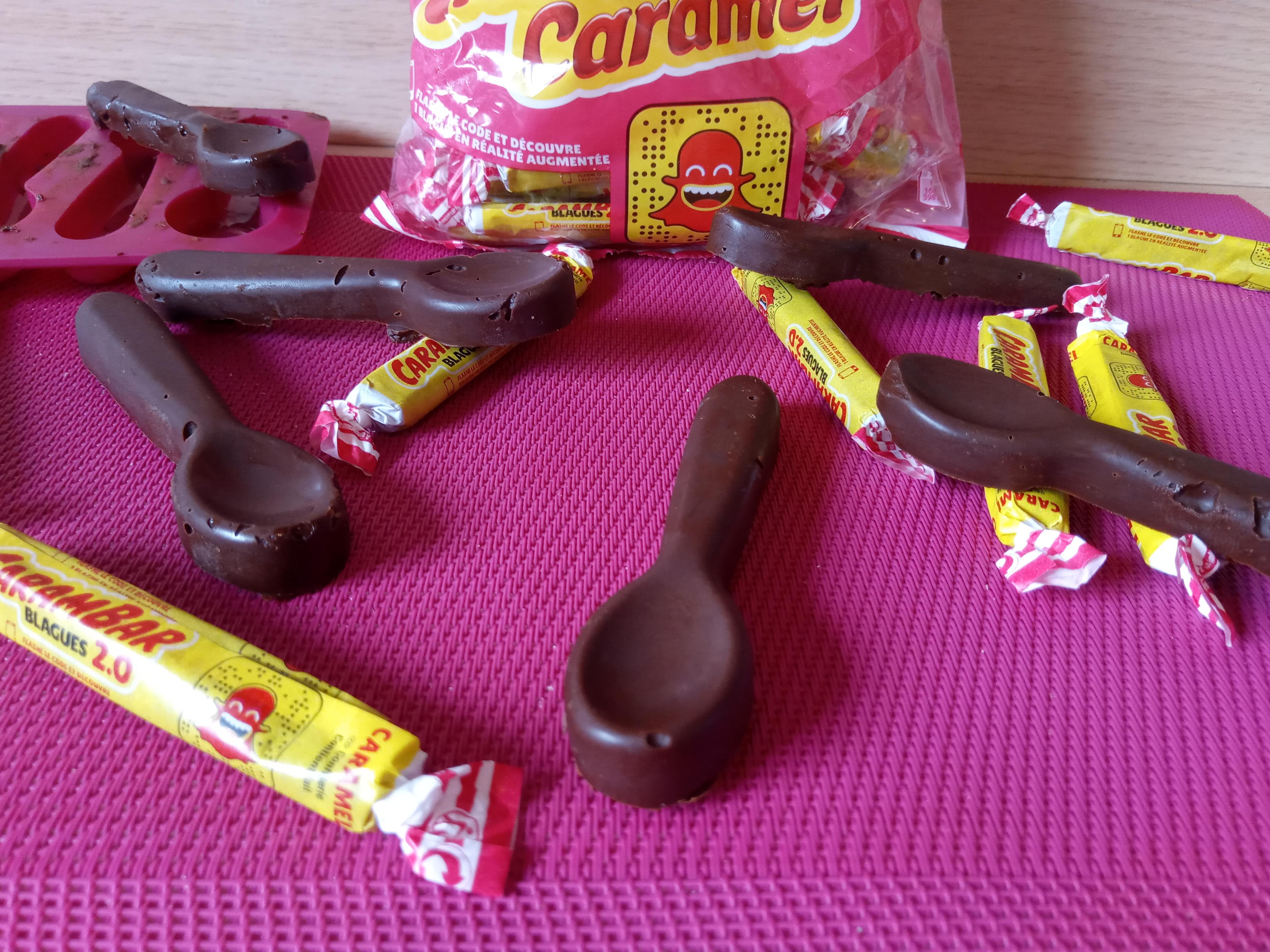 CUILLÈRES CHOCOLAT & CARAMBAR ®